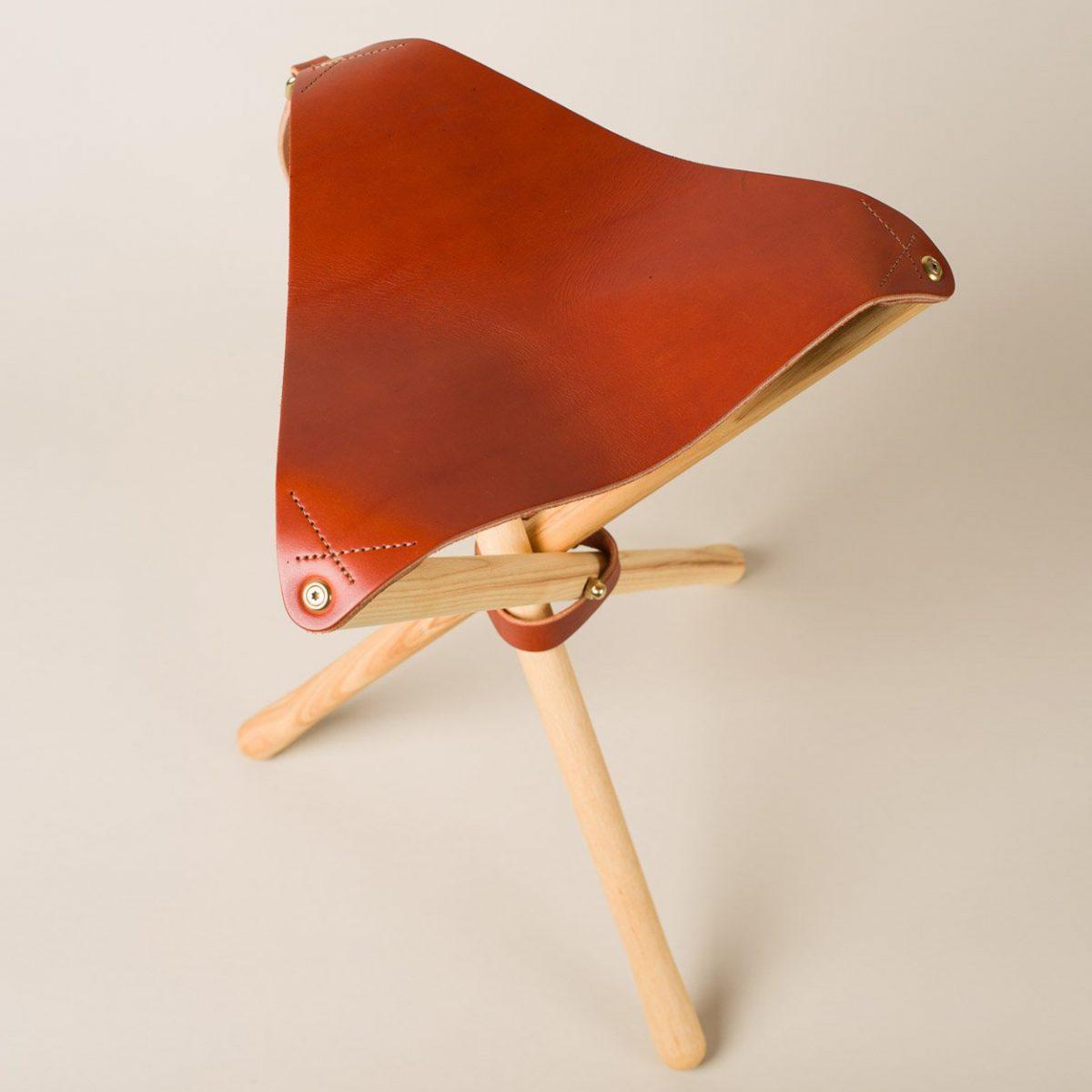 wood faulk stool 11