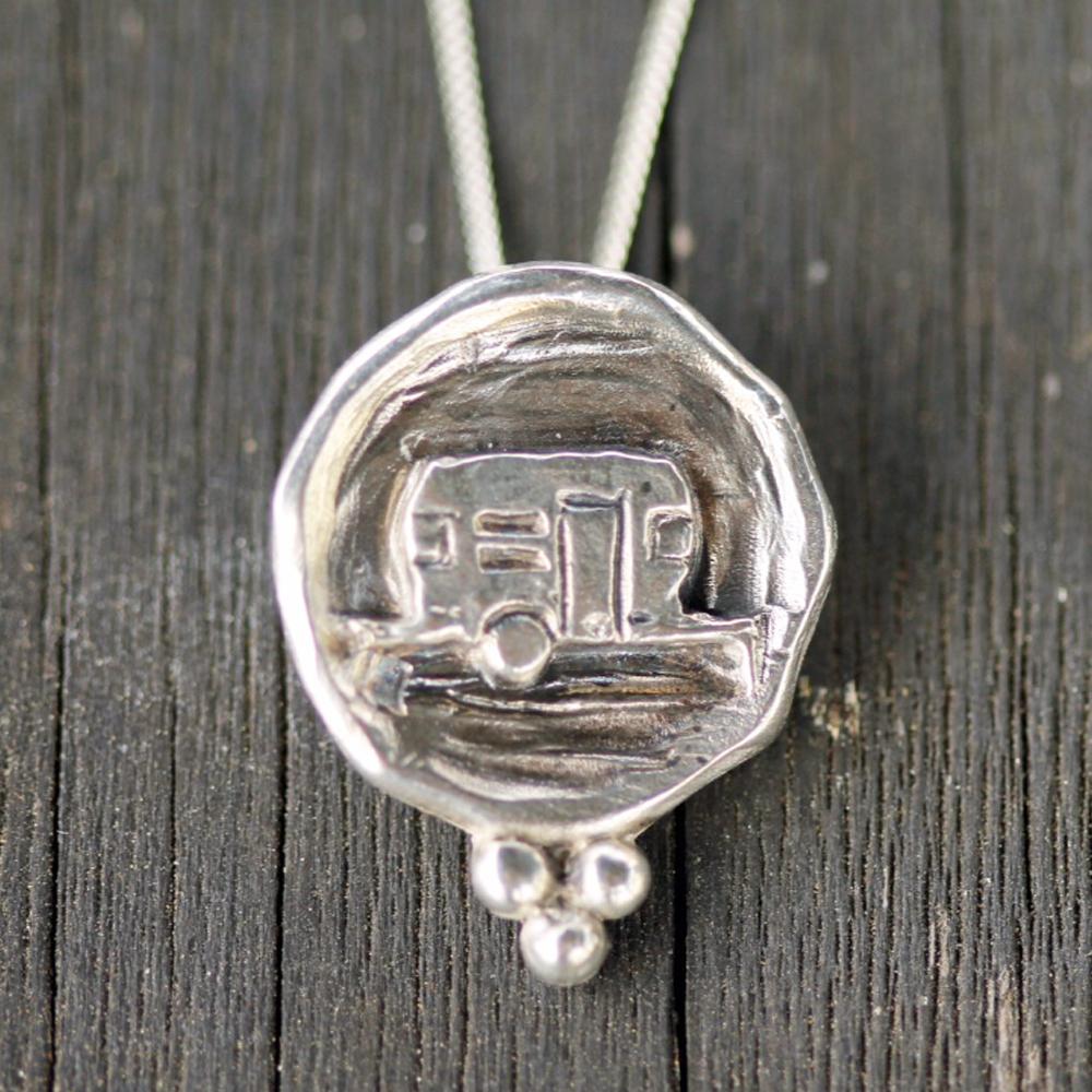 diane tripels necklace close up