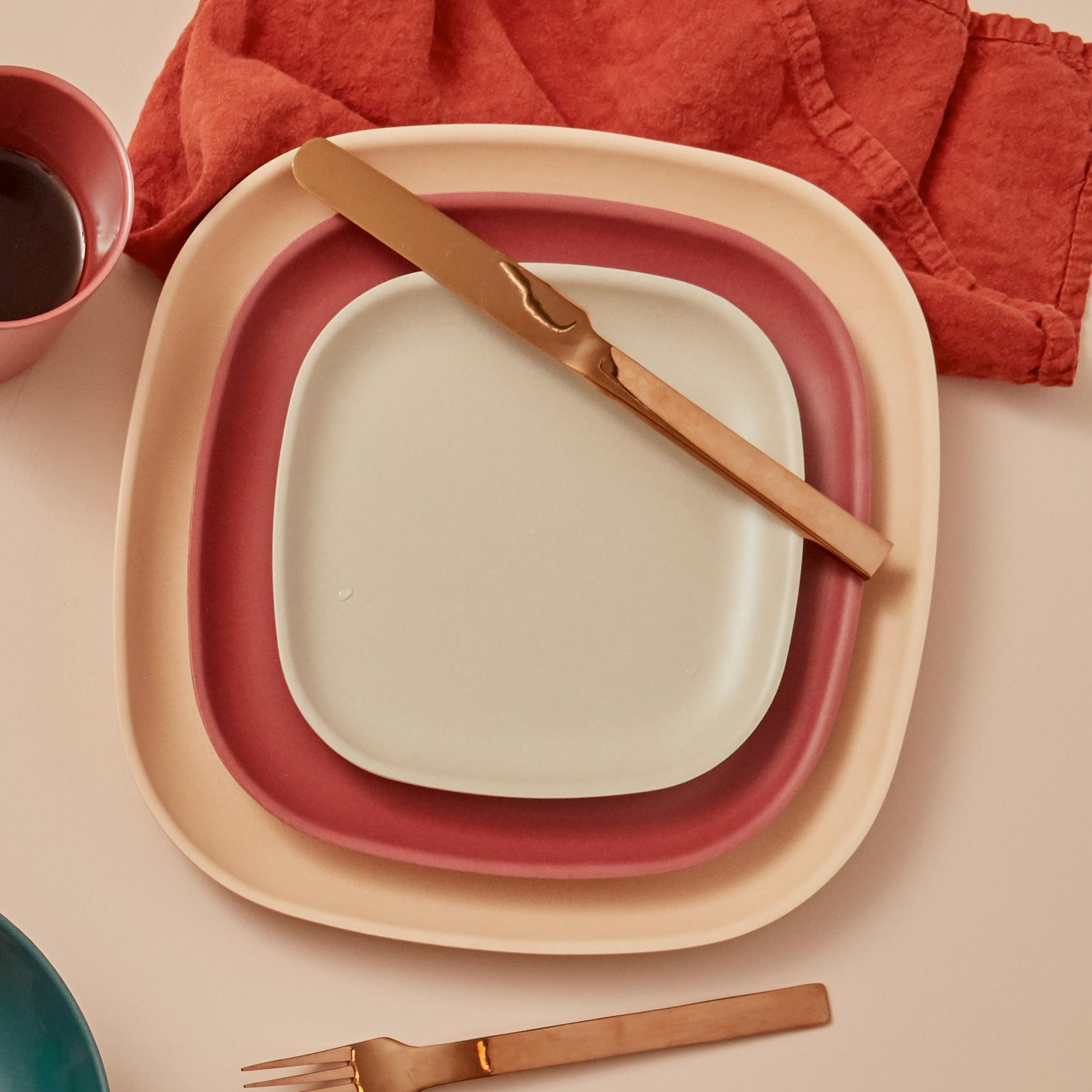 ekobo plates all 3 sizes staked