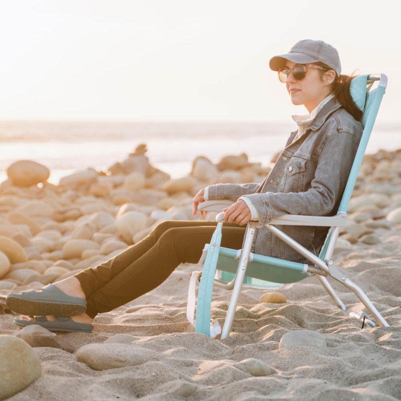 bi-fold-beach-chair-lifestyle2