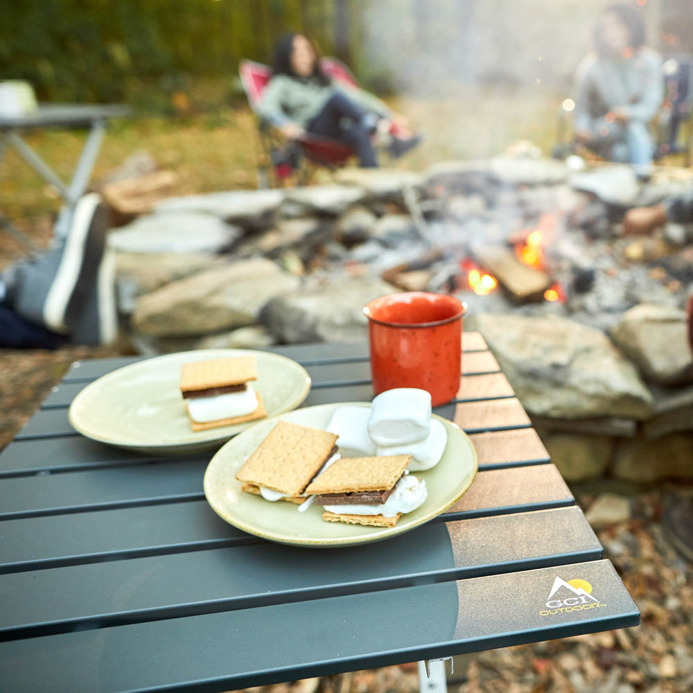 Compact-Camp-Table-20-lifestyle