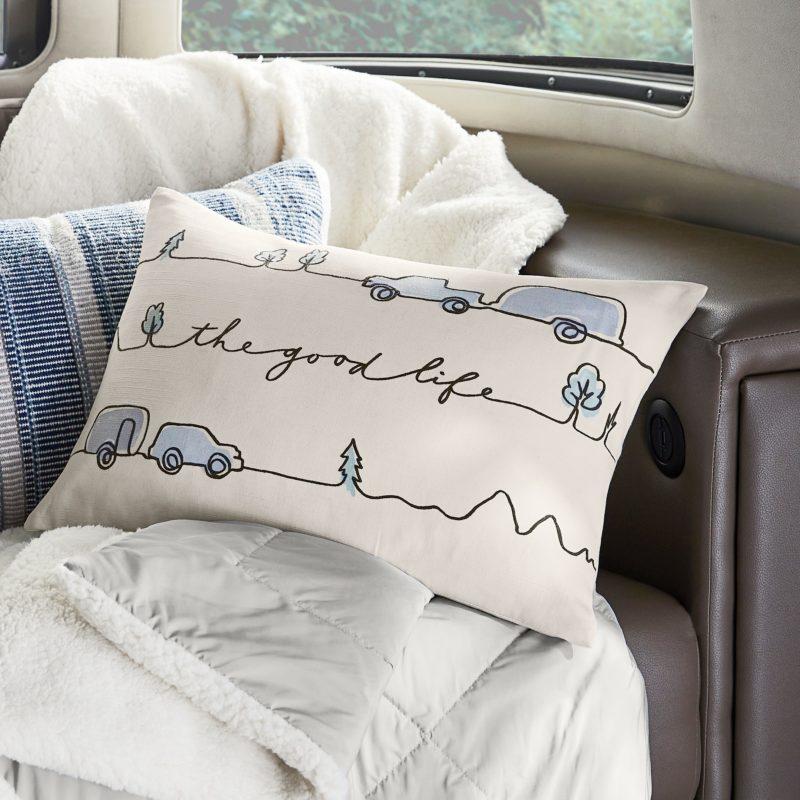 S21sp57_Pillows_V2_15186X_MOCKUP