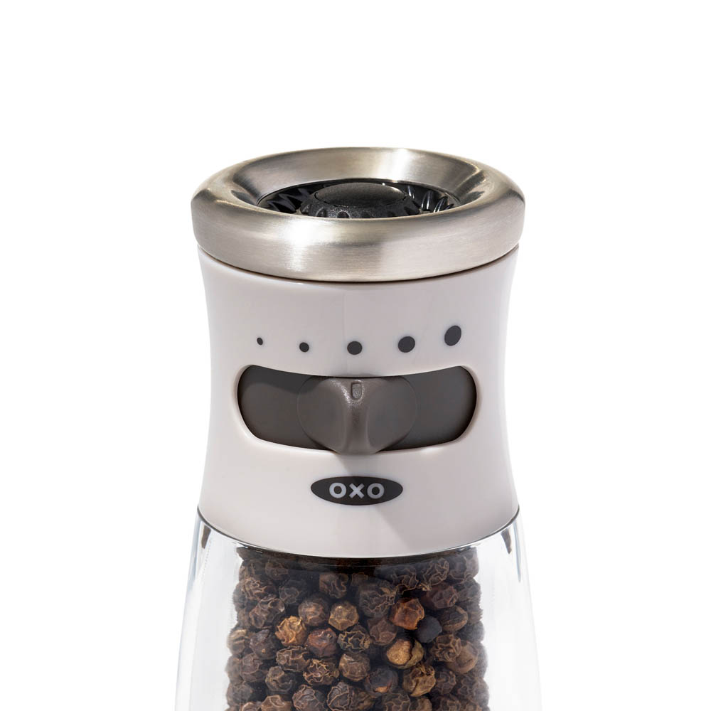 gg_oxo airstream mess free pepper grinder_7c_W_RGB
